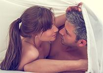 Gel lubrifiant : que choisir ? Plaisir, sécheresse intime... Nos conseils !