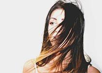 Perte de cheveux en automne: nos conseils & astuces !